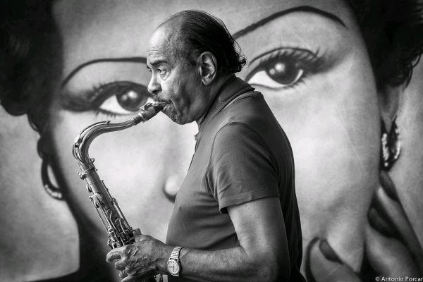 Benny Golson by ANTONIO PORCAR CANO